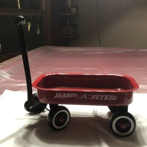 Mini radio flyer wagon